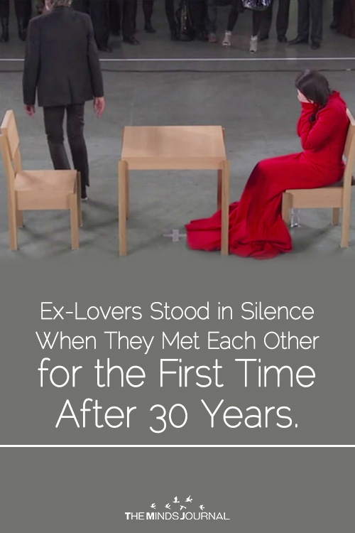 Ex-Lovers Stood in Silence When They Met Each Other for the First Time After 30 Years.