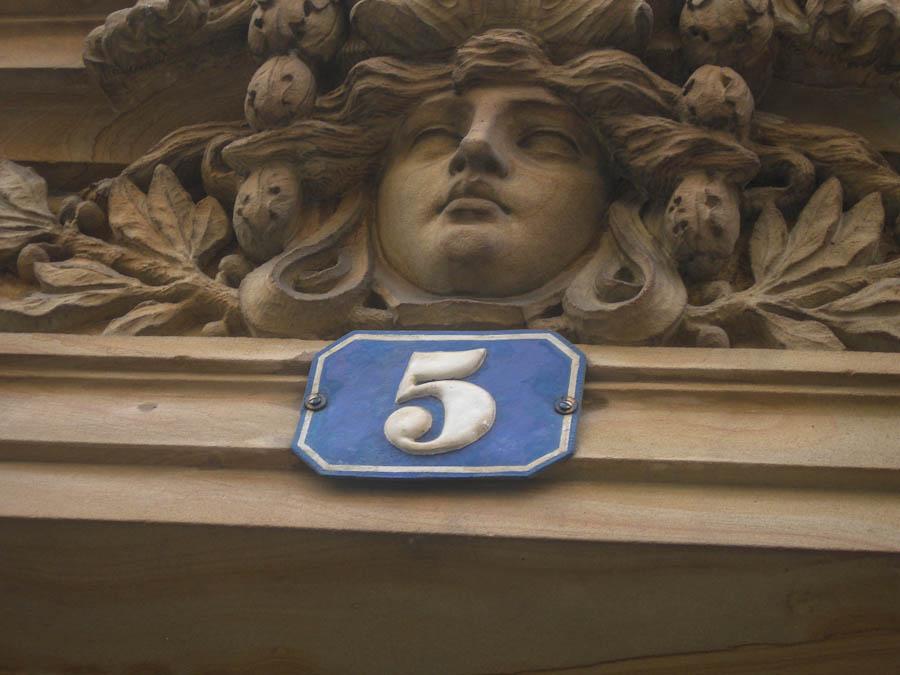 frankfurt-house-numbers-5