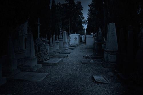 haunted-graveyard