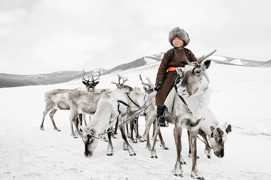 Stunning Portraits Of The World's Remotest Tribes 27