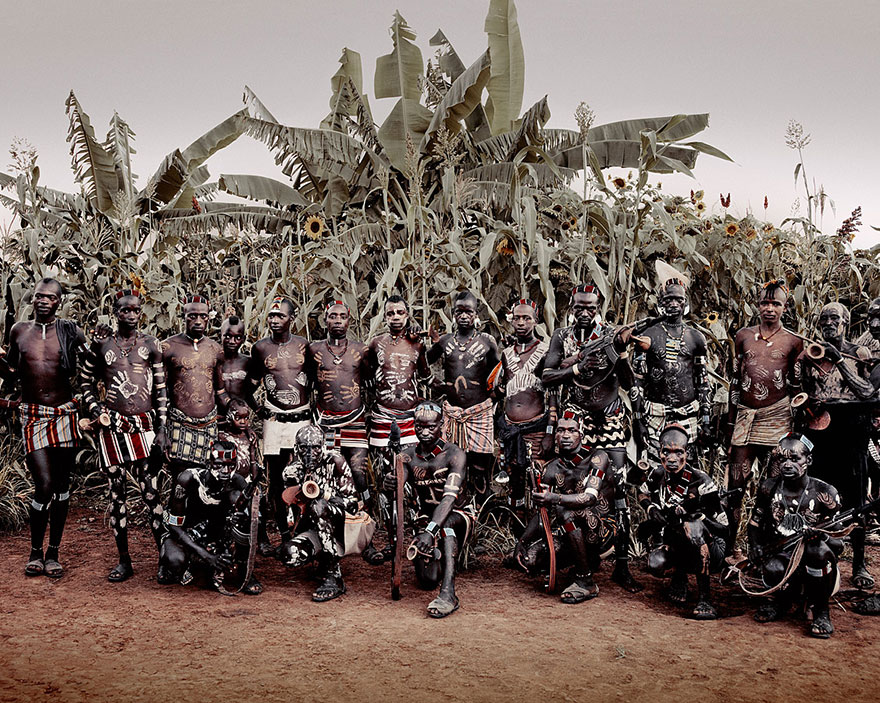 Stunning Portraits Of The World's Remotest Tribes 43