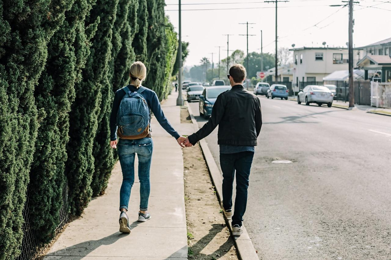 5 Tips How to Build Healthy Relationships in College
