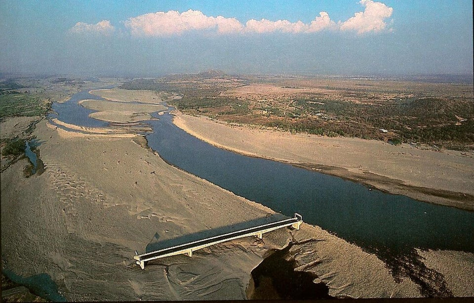 Embrace And Adapt: 5 Crucial Life Lessons We Can Learn From The Choluteca Bridge